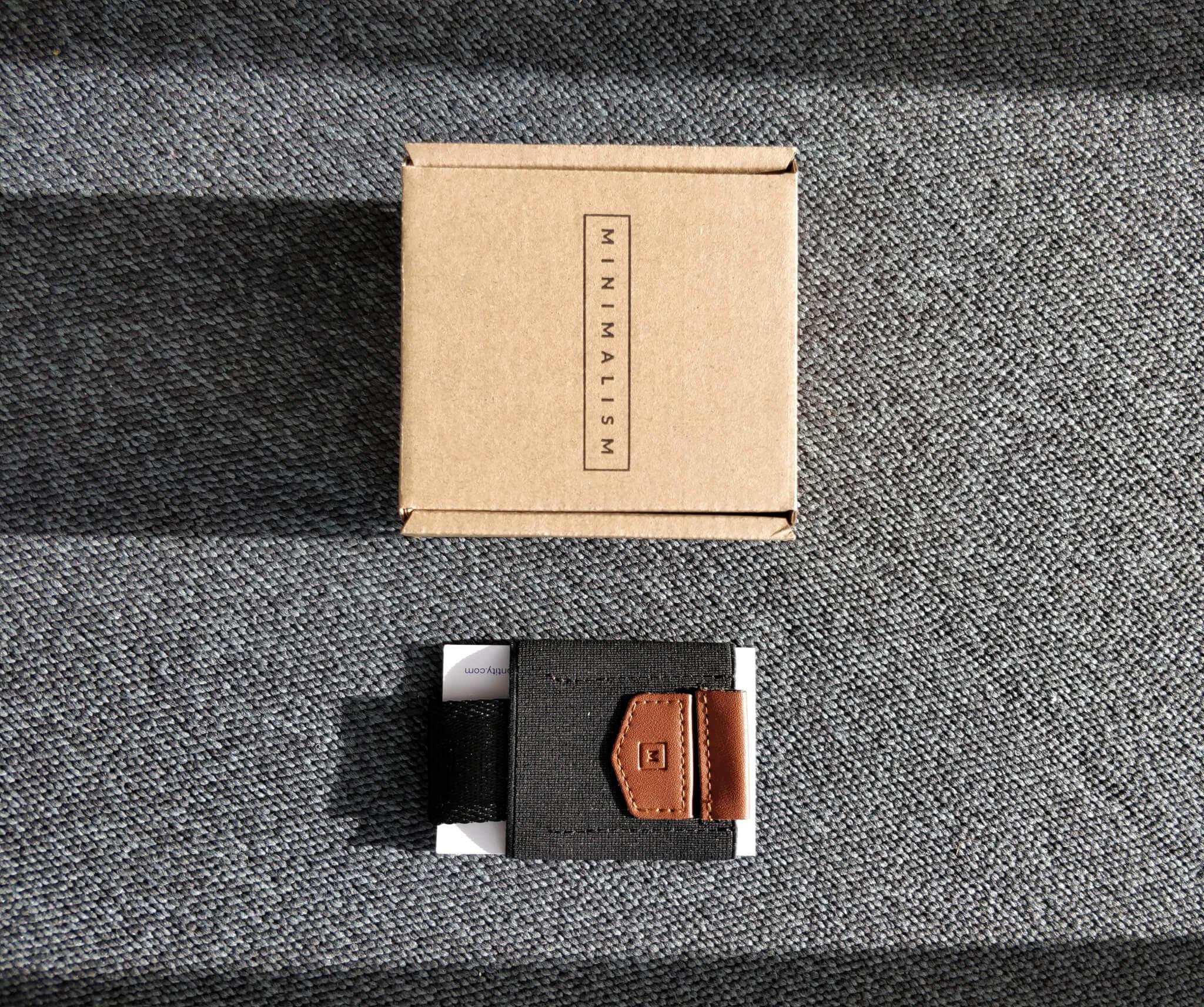 minimalism brand packaging