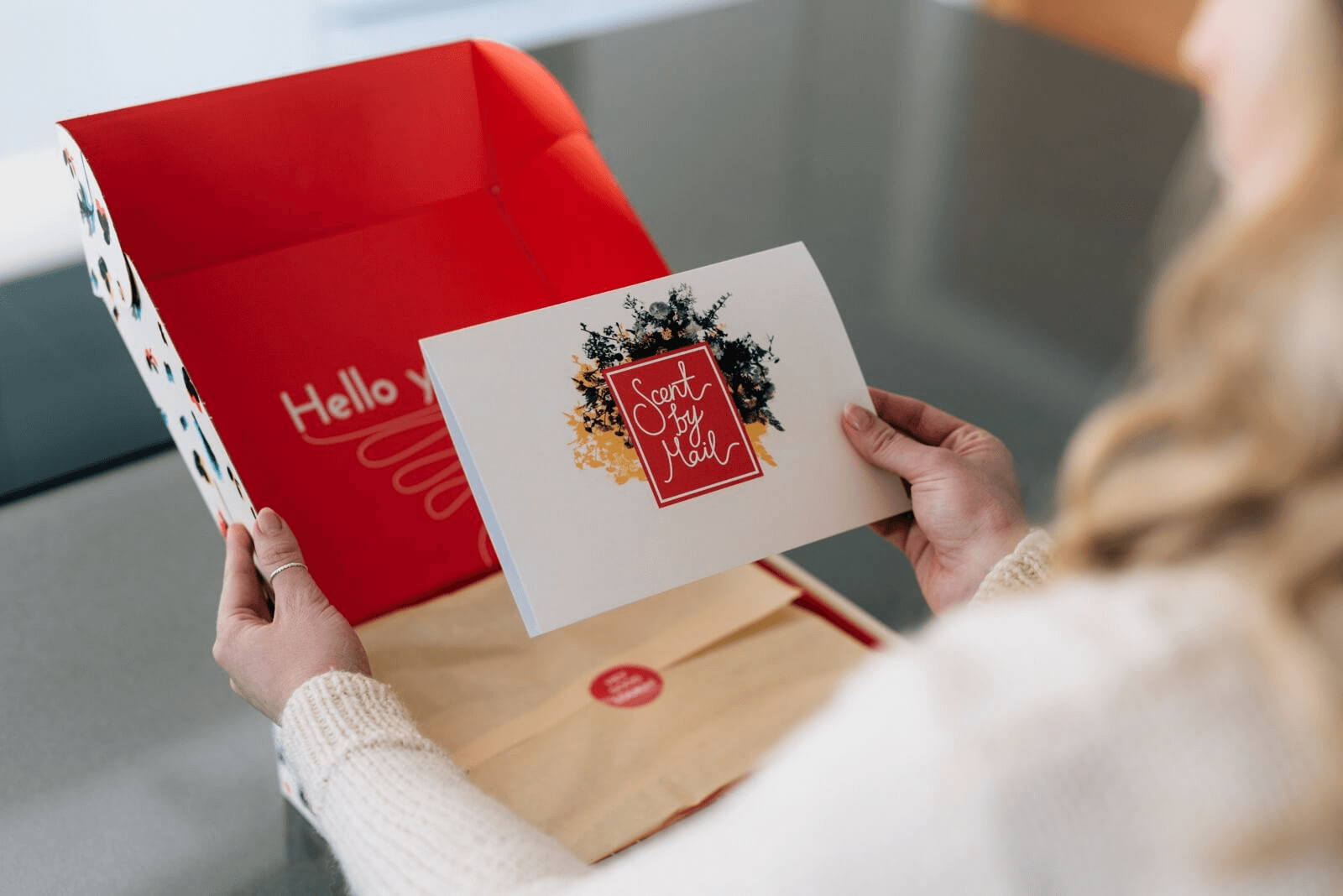 expérience d'unboxing scent by mail