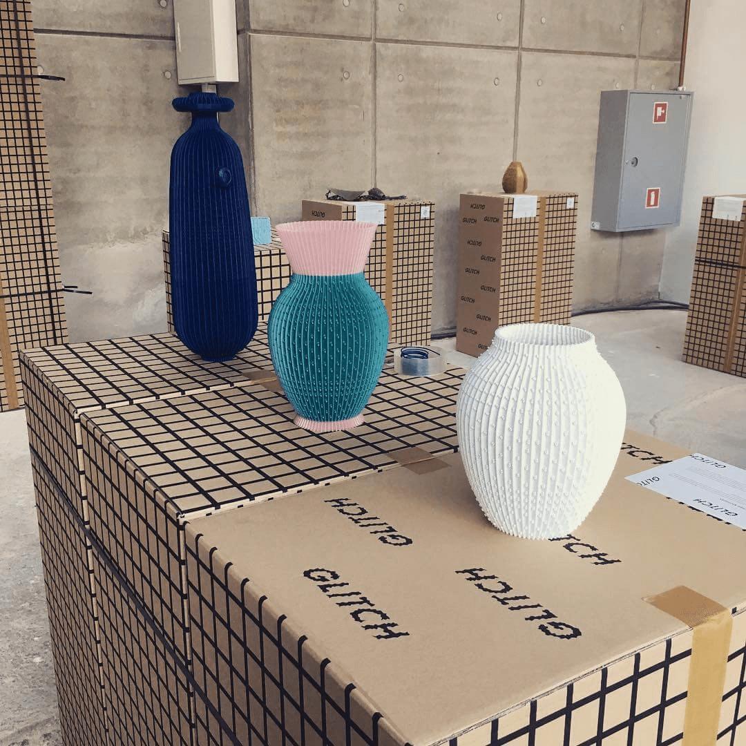 Boîte à colis écologique de la marque UAU Project conçu par Packhelp - emballage ecologique