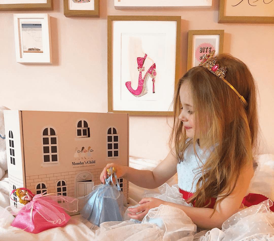 Packaging sur mesure de la marque D2C Monday's Child