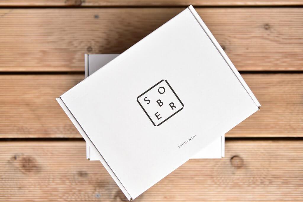 minimalistyczne pudełka tekturowe marki sober