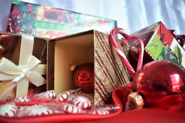 Why Your Brand Needs an Unboxing Experience for the Holidays