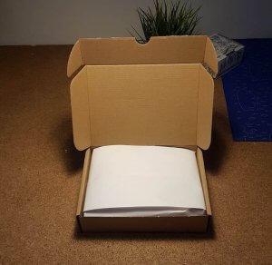 krabice po otevření bez potisku