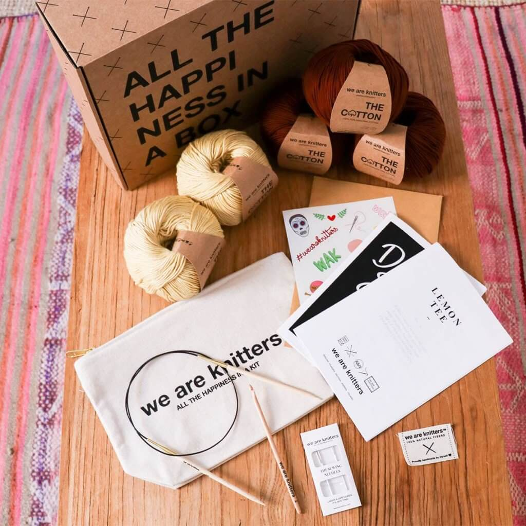 We Are Knitters vende kits de costura
