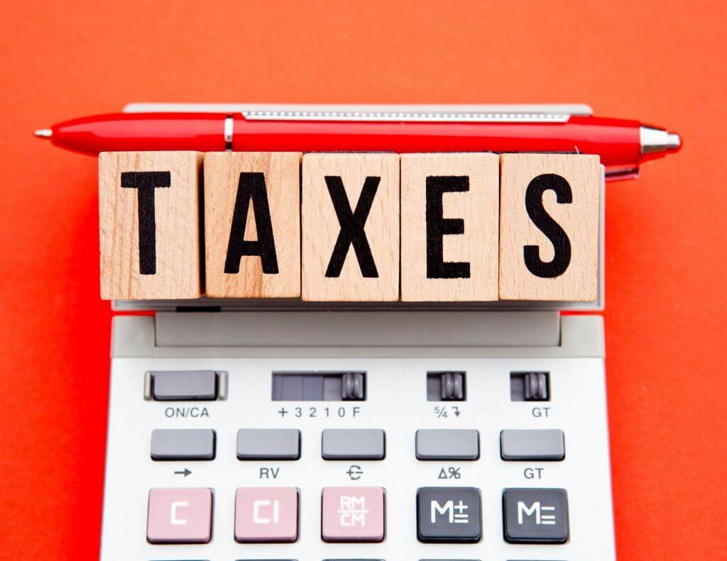 cómo calcular los impuestos del envío de mercancía