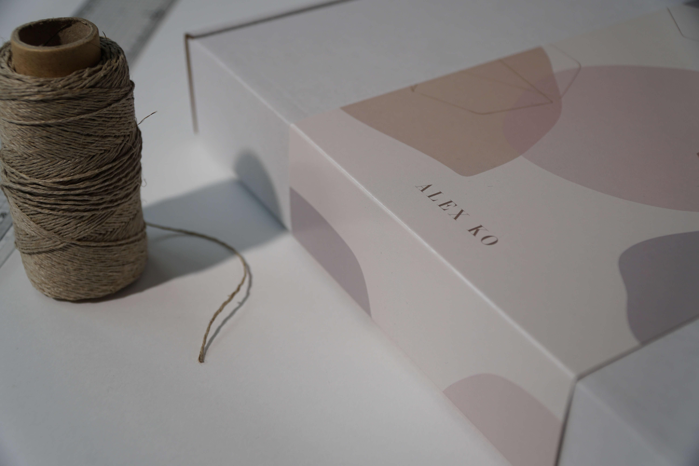 sl;eeved mailer boix by alex ko fashion brand